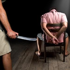 В этой статье вы сможете узнать к чему снится убить человека ножом из самых популярных сонников современности: сонник миллера, ванги, нострадамуса и другие.